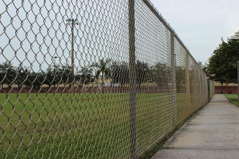 chain link fence companies