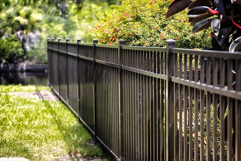 vinyl fencing materials in Los Angeles